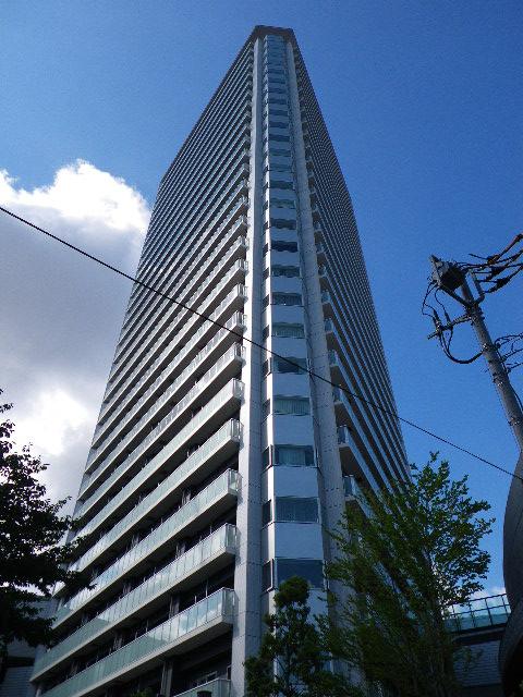 プリズムタワーの外観写真